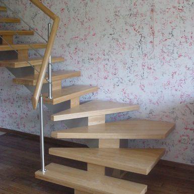 L formos laiptai Kaune