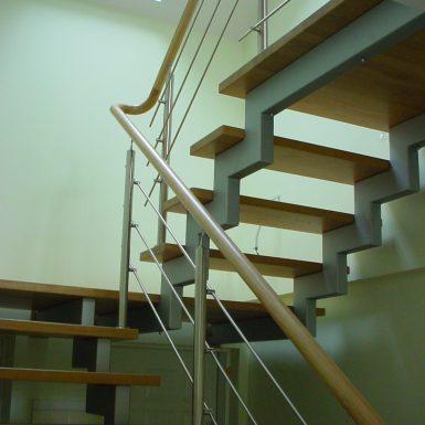 Metalinės konstrukcijos laiptai