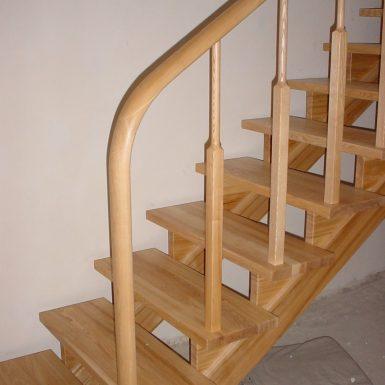Mediniai laiptai Alytuje