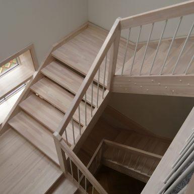 Pušiniai laiptai